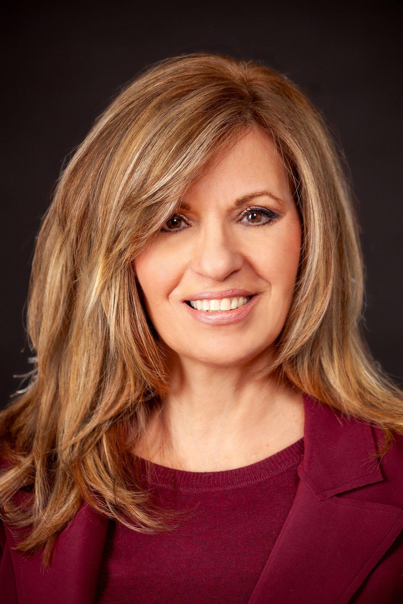 Lisa Ciao, Author