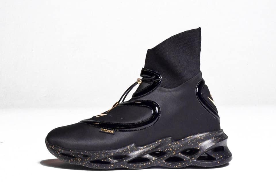 TRONUS Sneakers In Blackout