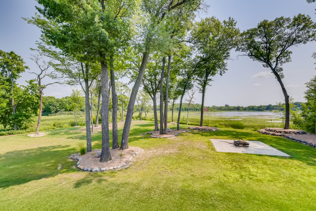 lakehome for sale in Cambridge MN