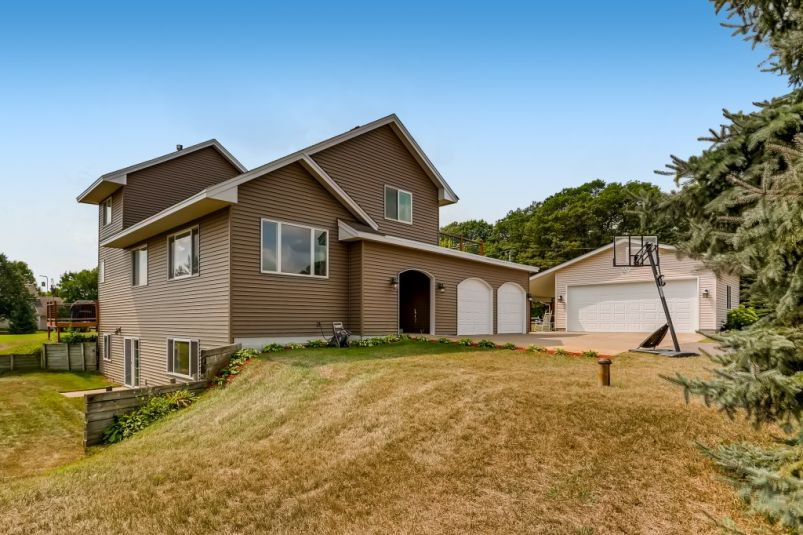 Home for sale in East Bethel
