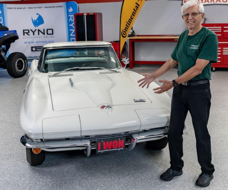 Classic Corvette Winner John Householder of PA.